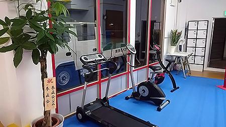ランニングマシーンやエアロバイク|KENSEIKAI 守口ジム
