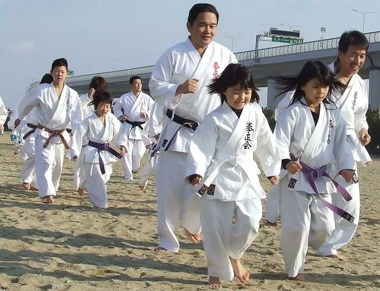 寒稽古2011年 拳正会空手道連盟