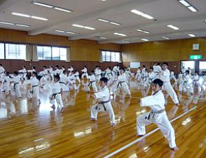 基本練習|2007年大阪・愛知・静岡の合同練習|拳正会空手道連盟