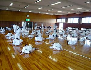 横受け身の練習|2007年大阪・愛知・静岡の合同練習|拳正会空手道連盟